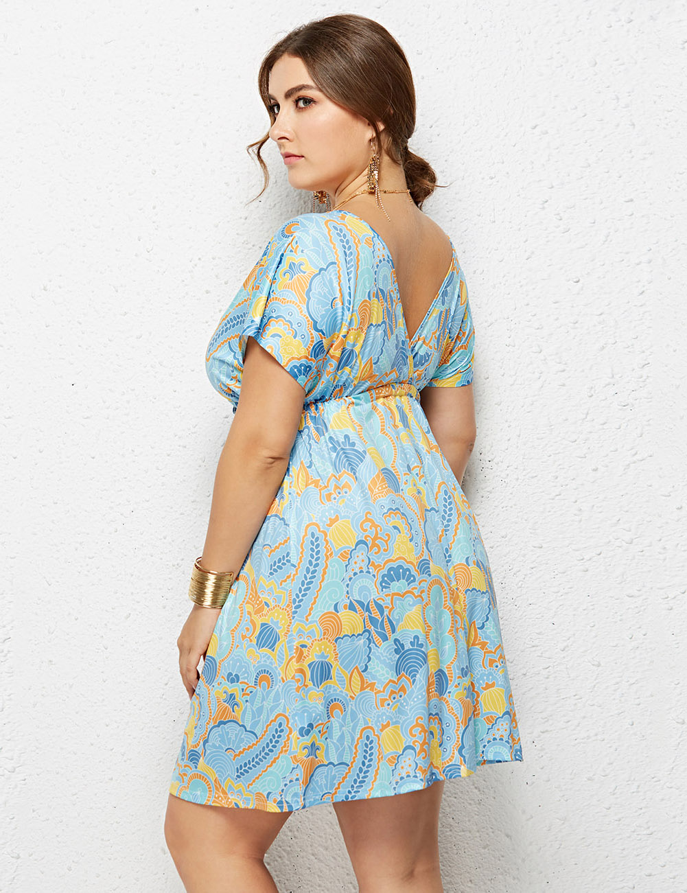 //cdn.affectcloud.com/feelingirldress/upload/goods/2019-02-28/I195066-M06/I195066-M06-2.jpg
