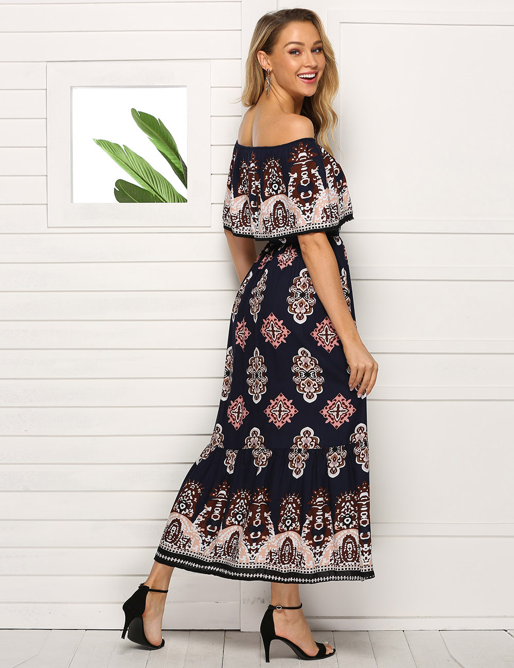 //cdn.affectcloud.com/feelingirldress/upload/imgs/2019-05-15/VZ190100-M06/VZ190100-M06-2.jpg