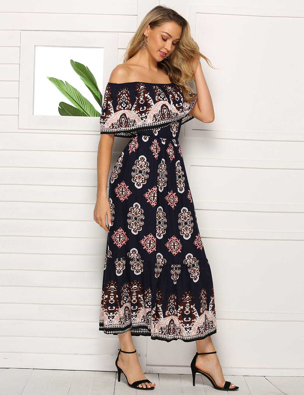 //cdn.affectcloud.com/feelingirldress/upload/imgs/2019-05-15/VZ190100-M06/VZ190100-M06-4.jpg