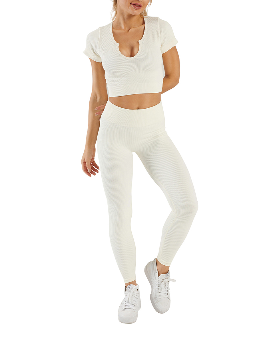 //cdn.affectcloud.com/feelingirldress/upload/imgs/activewear/Sweat_Suits/YD210308-WH2/YD210308-WH2-20210302603dd2cd5e4f4.jpg