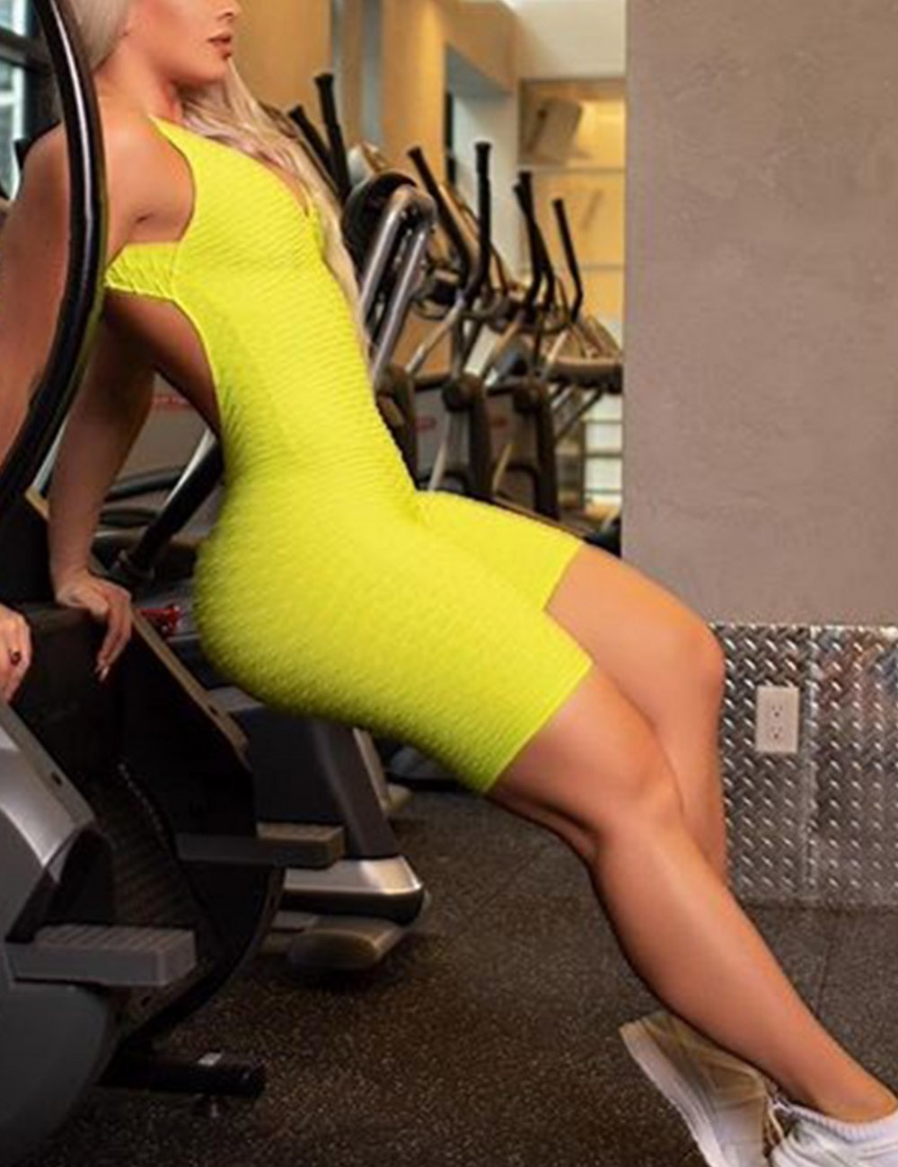 Casual Clasp Closure Yellow Fitness Jumpsuit V Neck High Quality