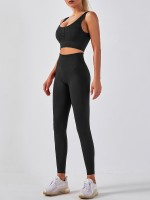 Black Seamless Sports Bra Suit With Button Moisture Wicking