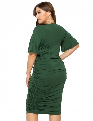 Tight Green V-Collar Short-Sleeve Queen Size Dress Comfort Fit