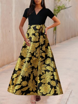 Body Hugging Black Swing Hem Flower Print Evening Dress