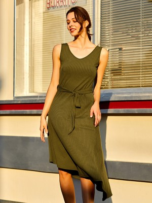 Contouring Army Green Tie V-Neck Midi Dress Solid Color Weekend Time