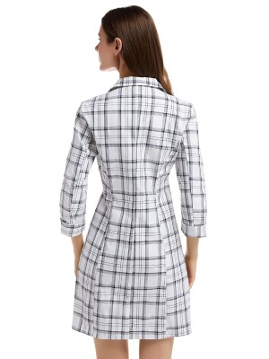 Figure-Hugging White Turndown Neck Mini Dress Plaid Print Feminine Confidence