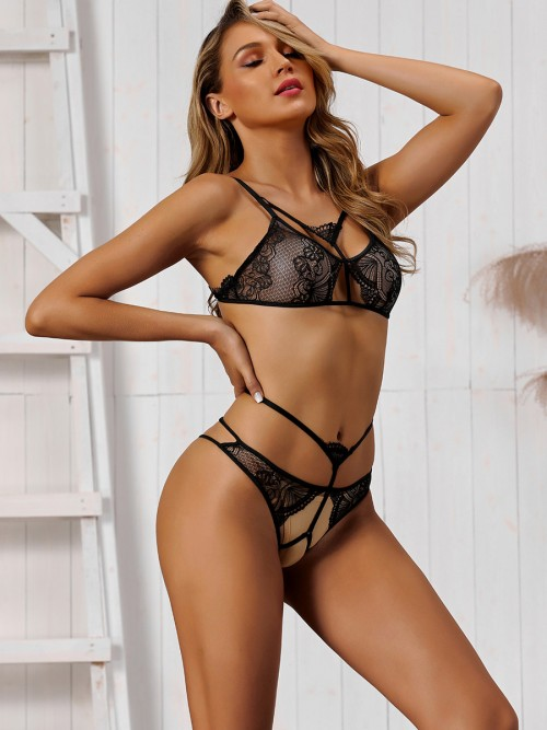 Gentle Black Strappy Lace Hollow Out Bra Set Fitted