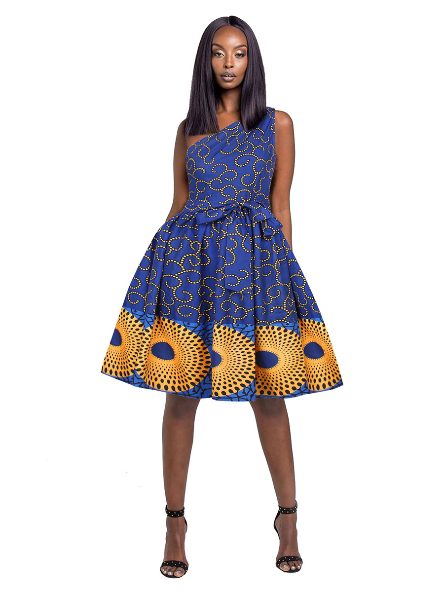 //cdn.affectcloud.com/hexinfashion/upload/imgs/DRESSES/African_Dashiki_Set/VZ200366-M01/VZ200366-M01-202008045f290482ef4af.jpg