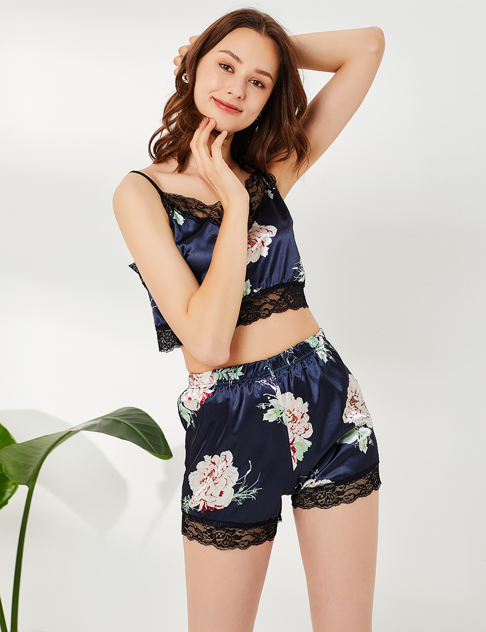 //cdn.affectcloud.com/hexinfashion/upload/imgs/Lingerie/Sleepwear/SY190026-BU2/SY190026-BU2-201911055dc12440d373d.jpg