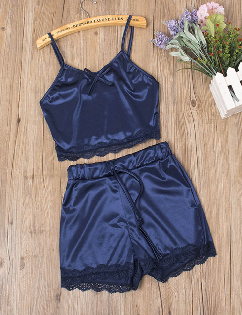 //cdn.affectcloud.com/hexinfashion/upload/imgs/Lingerie/Sleepwear/SY190091-BU1/SY190091-BU1-201911055dc12011a39d3.jpg