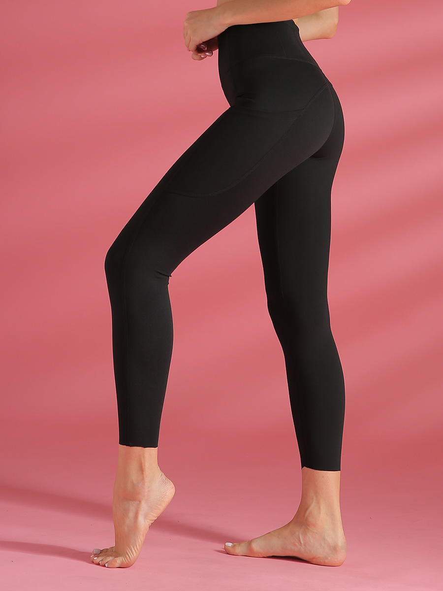 //cdn.affectcloud.com/hexinfashion/upload/imgs/SPORTSWEAR/Yoga_Legging/YD190205-BK1/YD190205-BK1-201911215dd62f2041227.jpg