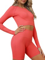 Close-Fitting Red Round Neck Crop Top And Sports Shorts Comfort