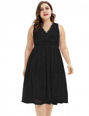 Striking V Neck Lace Black Large Size Midi Dress Sleeveless Nice Quality