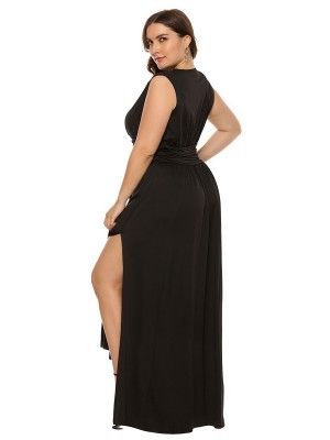 Beach Stunner Black Solid Color Queen Size Dress V-Neck Online Fashion