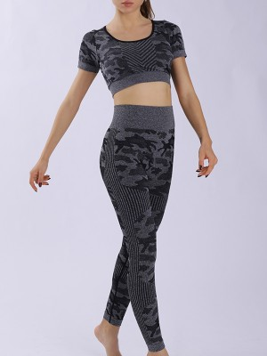 Black Camouflage Print Short Sleeves Yoga Suit Leisure Fashion