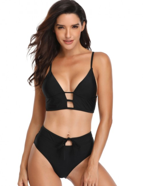 Beach Stunner Black Strappy Wireless Two Pieces Swimsuit Front Keyhole For Sexy Women
