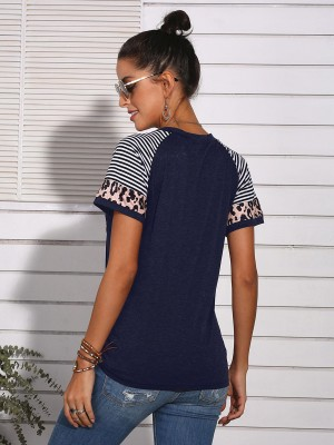 Feminine Blue T-Shirt With Pocket Leopard Printed Elegance