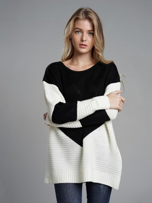 Characteristic Black Full Sleeves Round Neck Knit Sweater Fashion