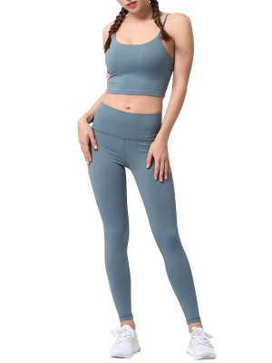 Well-Suited Green Athletic Suit High Stretch Inner Padded For Exercise