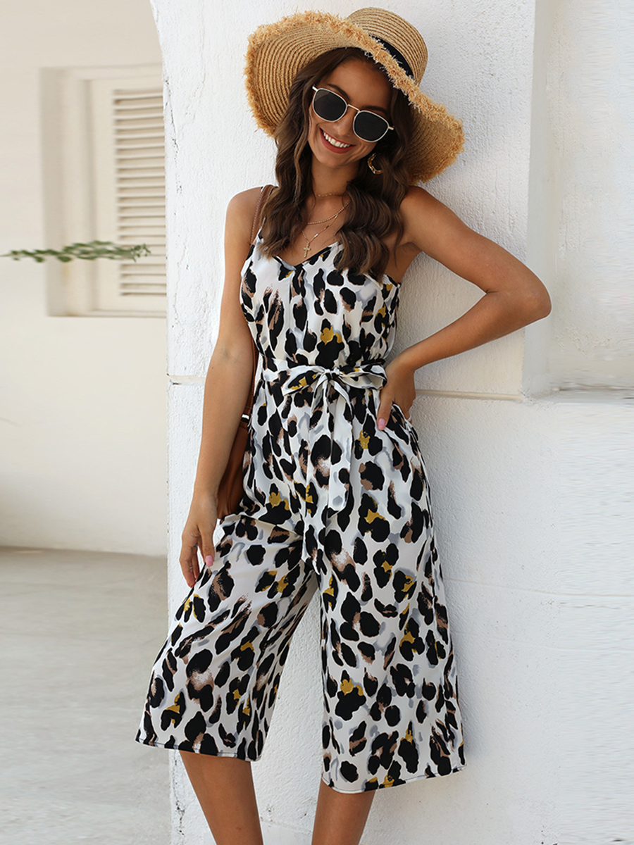 //cdn.affectcloud.com/lover-beauty/upload/imgs/Dresses/Jumpsuit_Romper/VZ204645-M01/VZ204645-M01-202001225e27a289d2c68.jpg