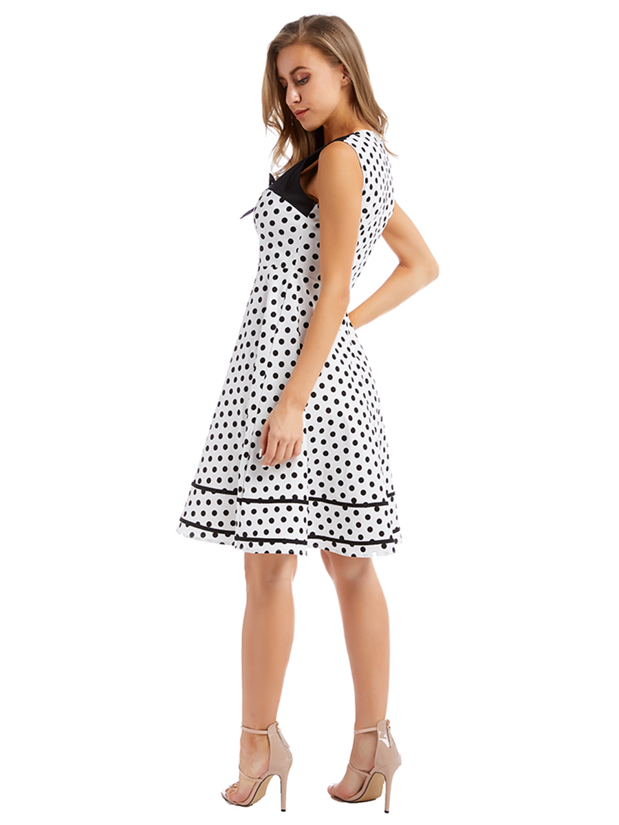 //cdn.affectcloud.com/lover-beauty/upload/imgs/Dresses/Skater_Dress/VZ194439-WH1/VZ194439-WH1-202003035e5dc9323bb01.jpg