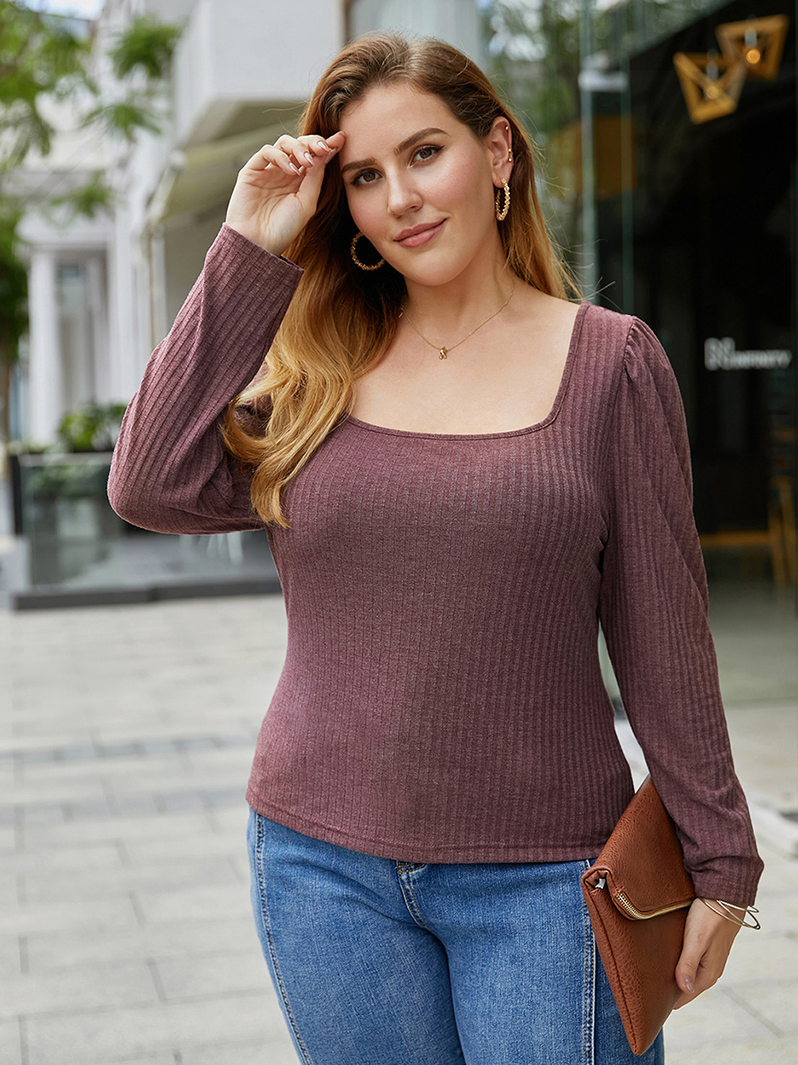//cdn.affectcloud.com/lover-beauty/upload/imgs/Plus_Size/Plus_Size_Tops/VZ200356-RD4/VZ200356-RD4-202008045f291bff2ff31.jpg