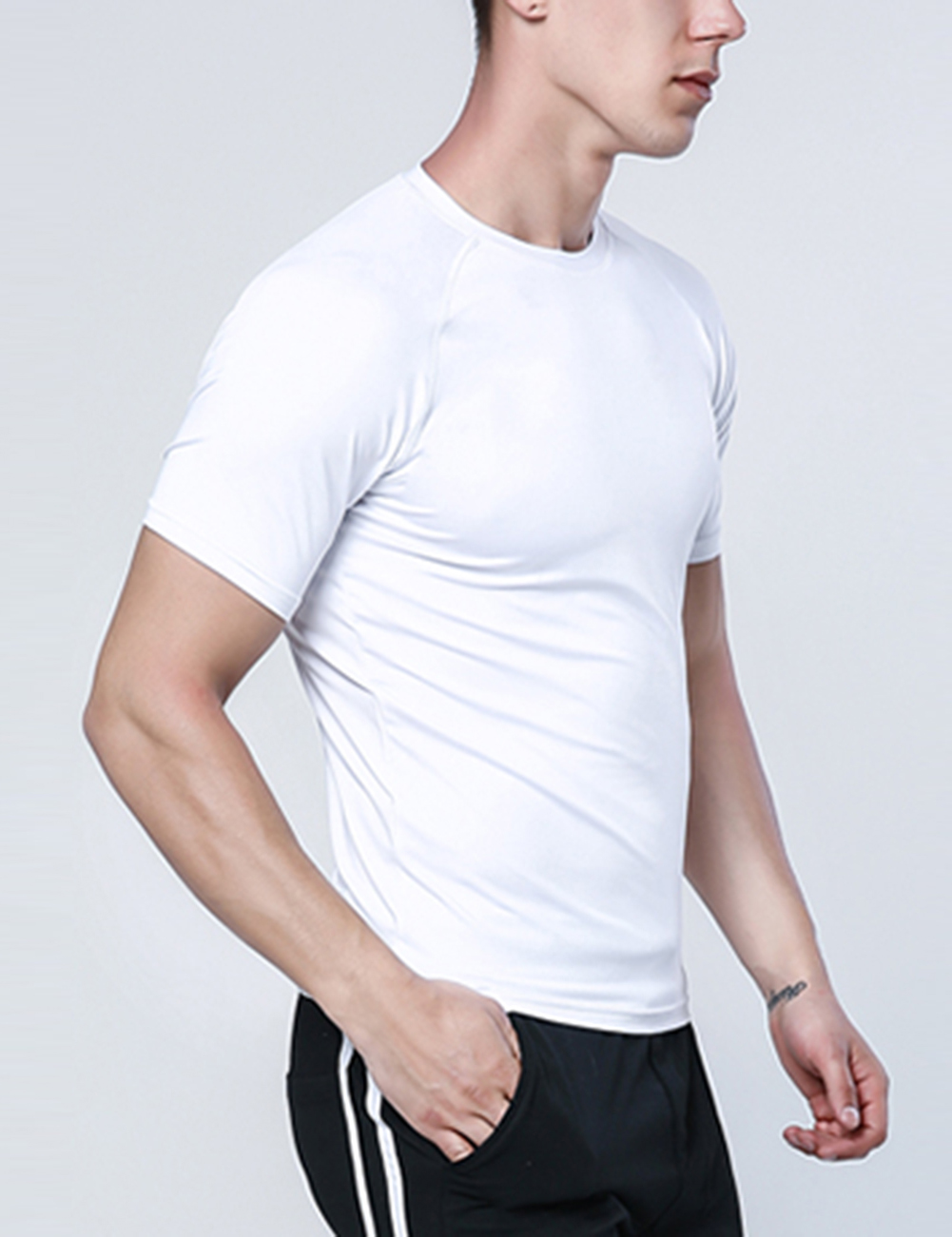 //cdn.affectcloud.com/lover-beauty/upload/imgs/Sportswear/Men_Activewear/YD190102-WH1/YD190102-WH1-201908305d68e8fad1fa1.jpg