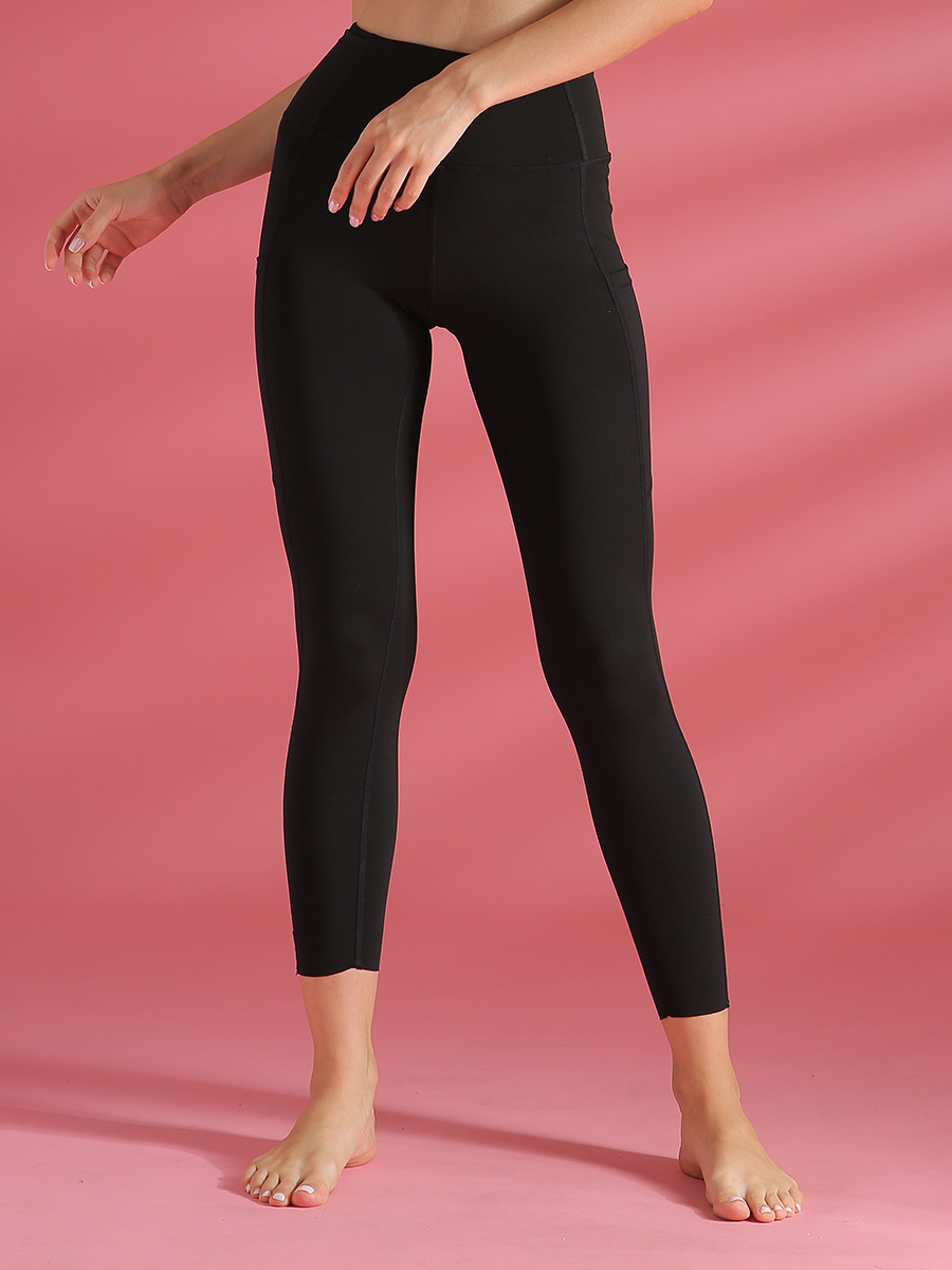 //cdn.affectcloud.com/lover-beauty/upload/imgs/Sportswear/Yoga_Legging/YD190205-BK1/YD190205-BK1-201911215dd5ead056737.jpg