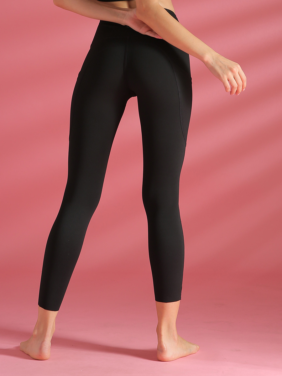 //cdn.affectcloud.com/lover-beauty/upload/imgs/Sportswear/Yoga_Legging/YD190205-BK1/YD190205-BK1-201911215dd5ead057679.jpg
