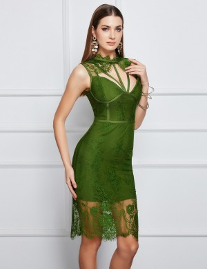 Loose Fitting Green Pure Color Lace Patchwork Bandage Dress