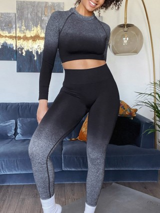 Black Gradient Seamless Yoga Suit Back Ruched Sweat Absorption