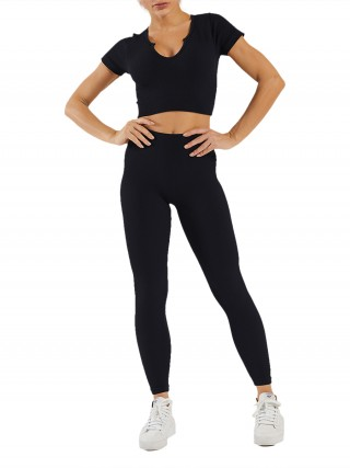 Black Seamless Solid Color Low-Cut Neck Yoga Suit Absorbs Moisture