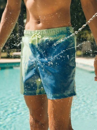 Distinctive Green Color Changing Quick Dry Swim Shorts For Summer